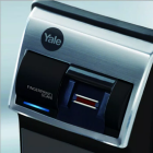 yale-digital-rim-lock-fingerprint-black_MjAxOTAxMTEwNDE2MDcy.png